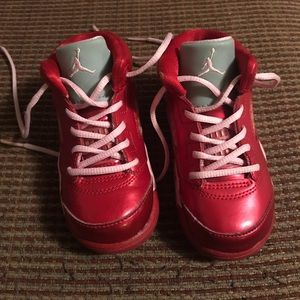 Girl's 5 Retro Valentine Air Jordan shoes. Size 7.